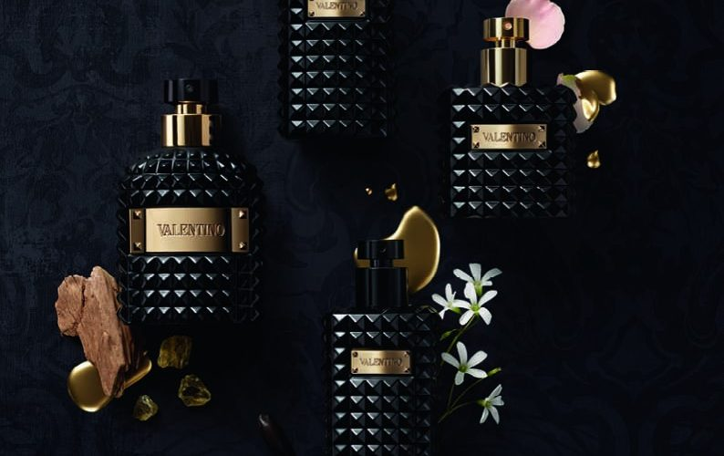 PRODUCT-STILL-LIFE_VALENTINO-NOIR-ABSOLU-ESSENCE_COMPO